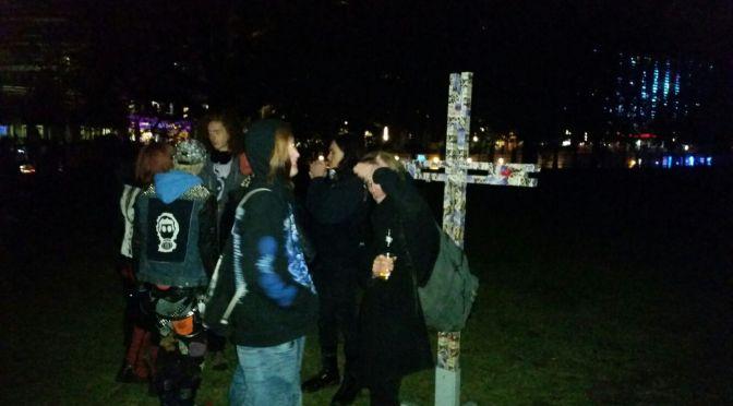 Das Kreuz aufstellen!